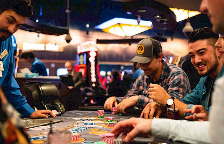 Three Efficient Ways To Get Extra Out Of Online Casino